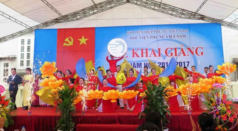 Học viện Phụ nữ Việt Nam tổ chức lễ khai giảng năm học 2016 - 2017