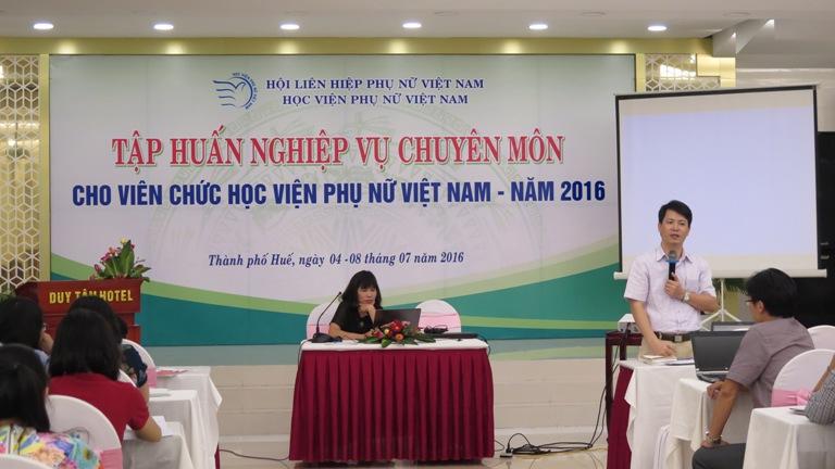 Học viện Phụ nữ Việt Nam tổ chức tập huấn hè tại Thành phố Huế