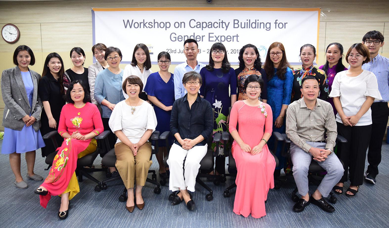 Tập huấn giảng viên nguồn về Giới tại Seoul, Hàn Quốc.