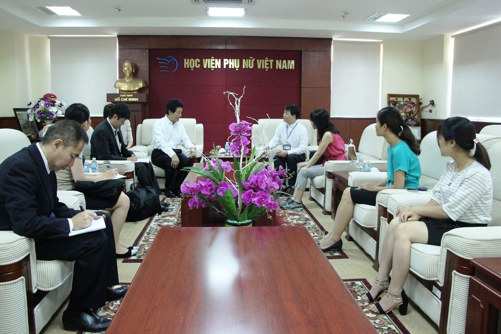 Học viện Phụ nữ Việt Nam đón tiếp Nghị sĩ Quốc hội Nhật Bản