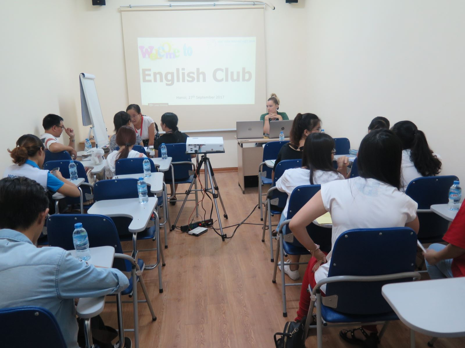Học viện Phụ nữ Việt Nam ra mắt Câu lạc bộ Tiếng Anh