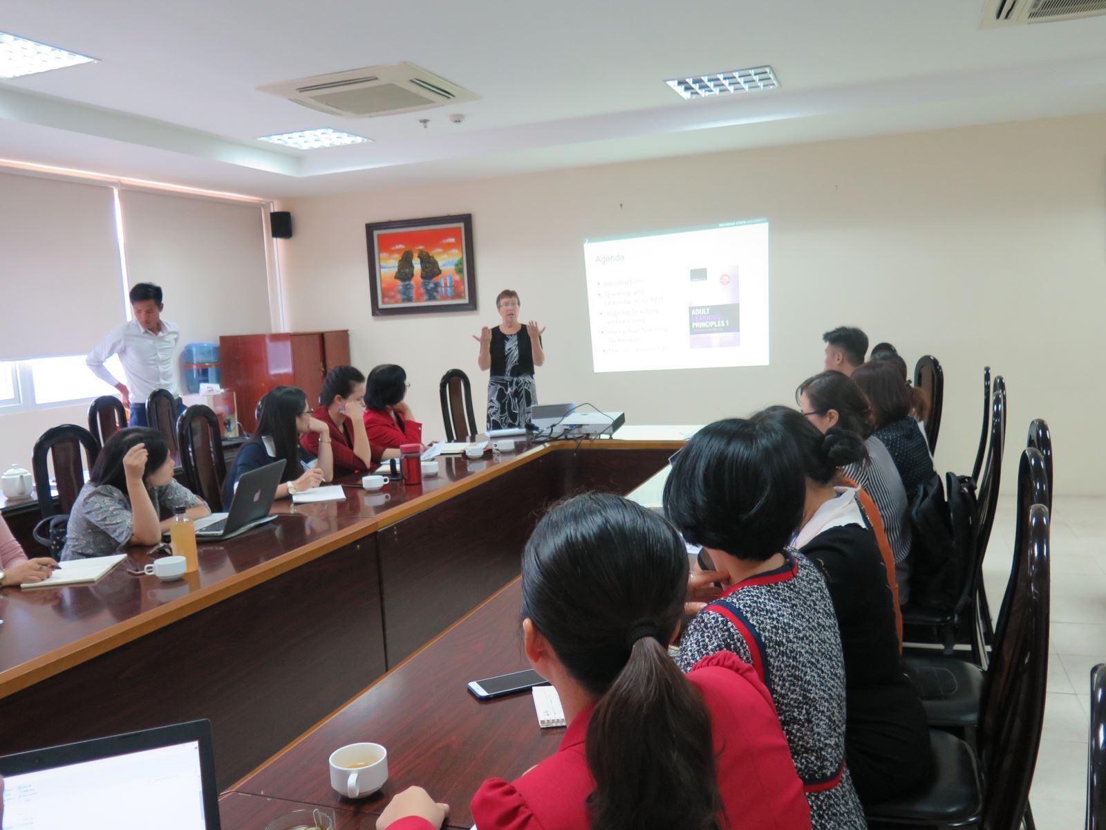 Học viện Phụ nữ Việt Nam gặp mặt chia tay Chuyên gia chương trình Fulbright