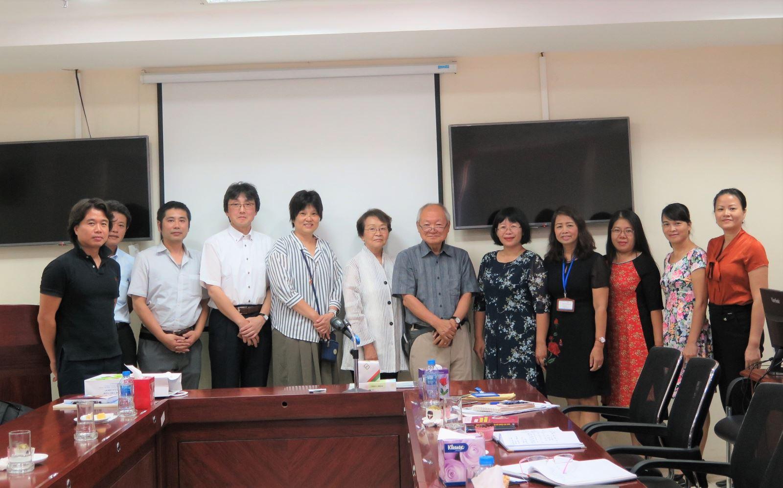 Học viện Phụ nữ Việt Nam làm việc với đoàn Hiệp hội phúc lợi chăm sóc Nhật Bản