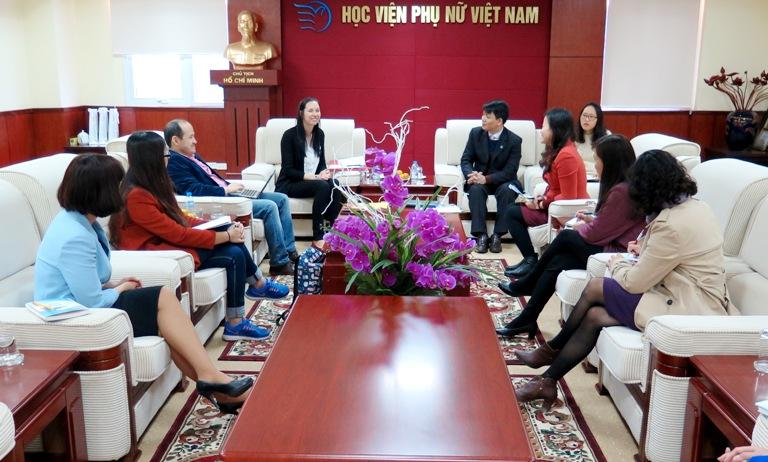 Học viện Phụ nữ Việt Nam tiếp đón đại diện trường Đại học Birmingham (Anh)
