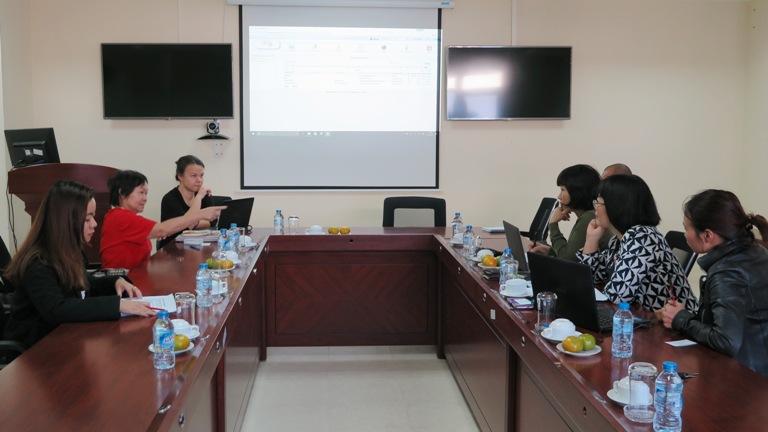 """Đoàn Ehomemakers trao đổi với Học viện về việc triển khai dự án """"Phòng tránh mang thai trẻ vị thành viên"""""""