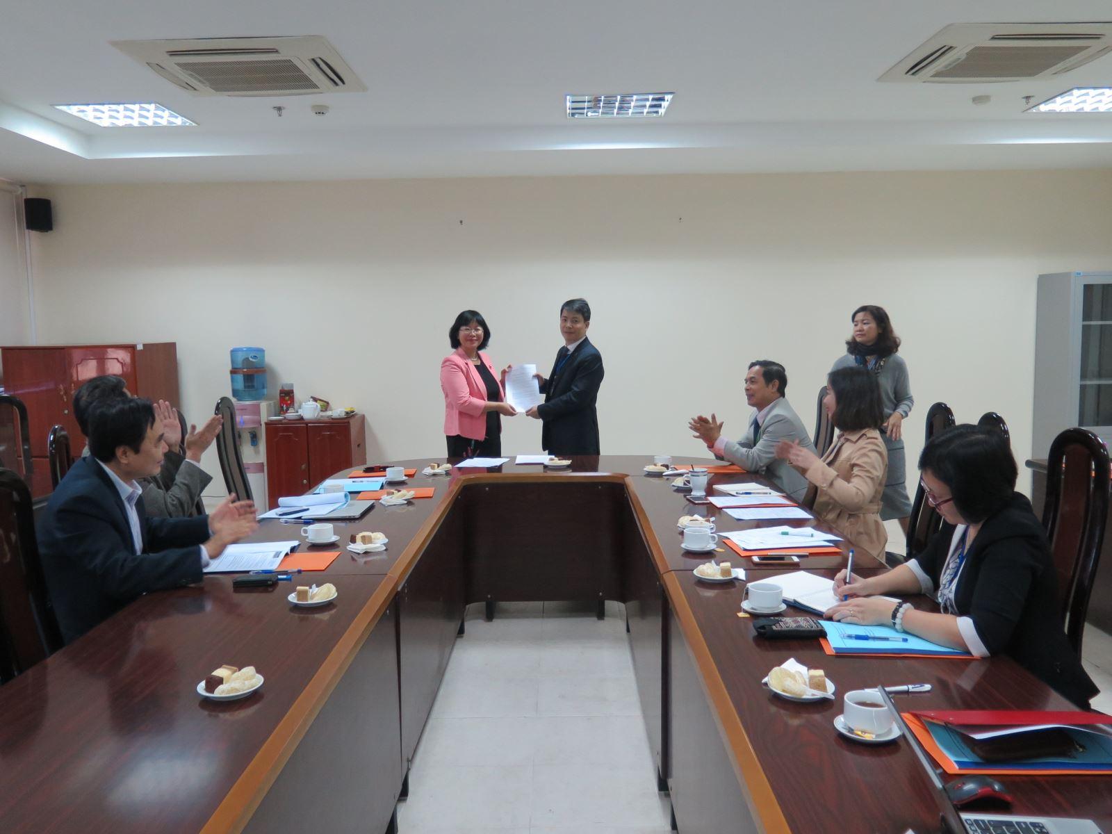 Học viện Phụ nữ Việt Nam công bố Quyết định thành lập Tạp chí Khoa học Học viện Phụ nữ Việt Nam