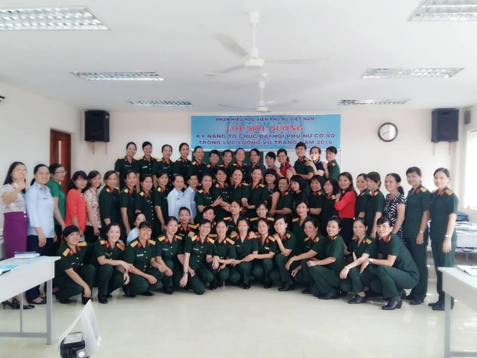 Bồi dưỡng nâng cao kỹ năng tổ chức Đại hội phụ nữ cơ sở trong lực lượng vũ trang