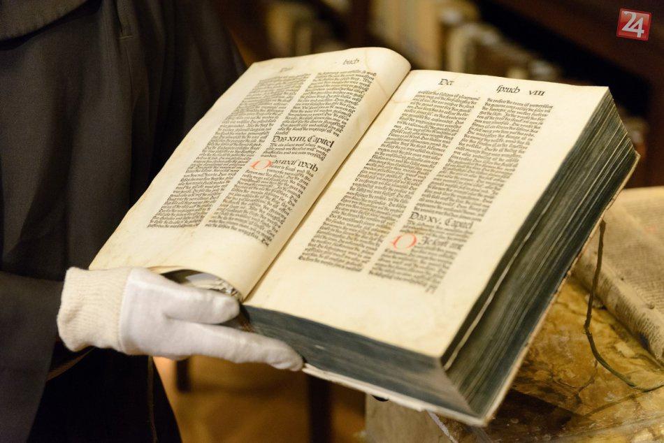 Cuốn sách đầu tiên trên thế giới ra đời như thế nào?