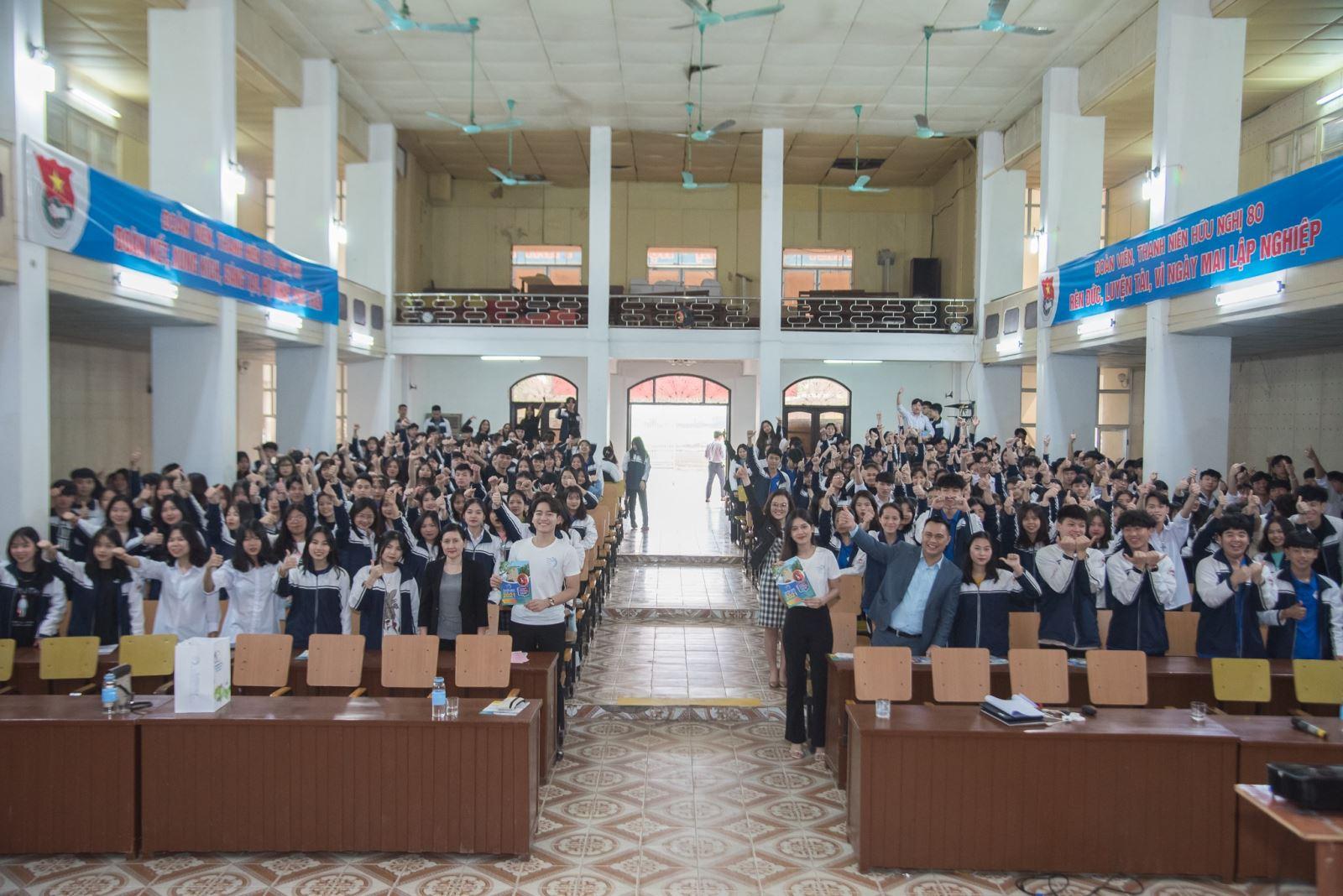 Nối dài hành trình vì cộng đồng: Tư vấn hướng nghiệp tại trường Hữu Nghị T80, Thị xã Sơn Tây