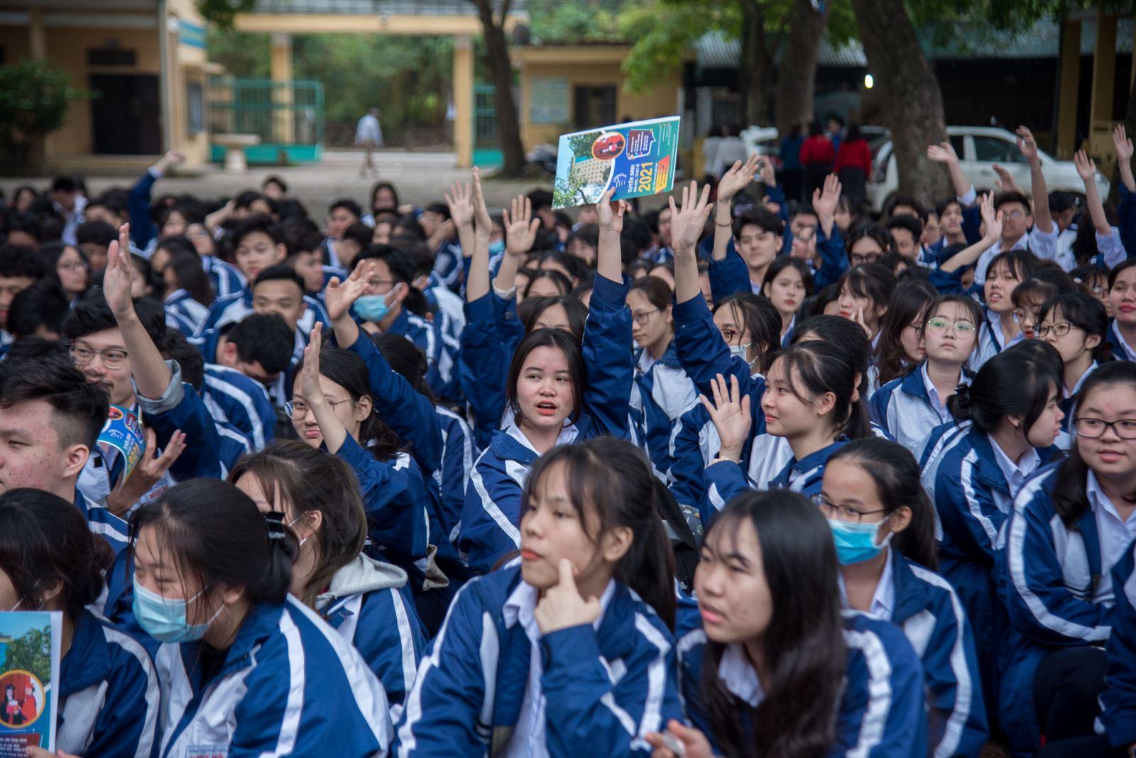 Tư vấn hướng nghiệp tại trường THPT Ngọc Hồi, Thanh Trì, Hà Nội