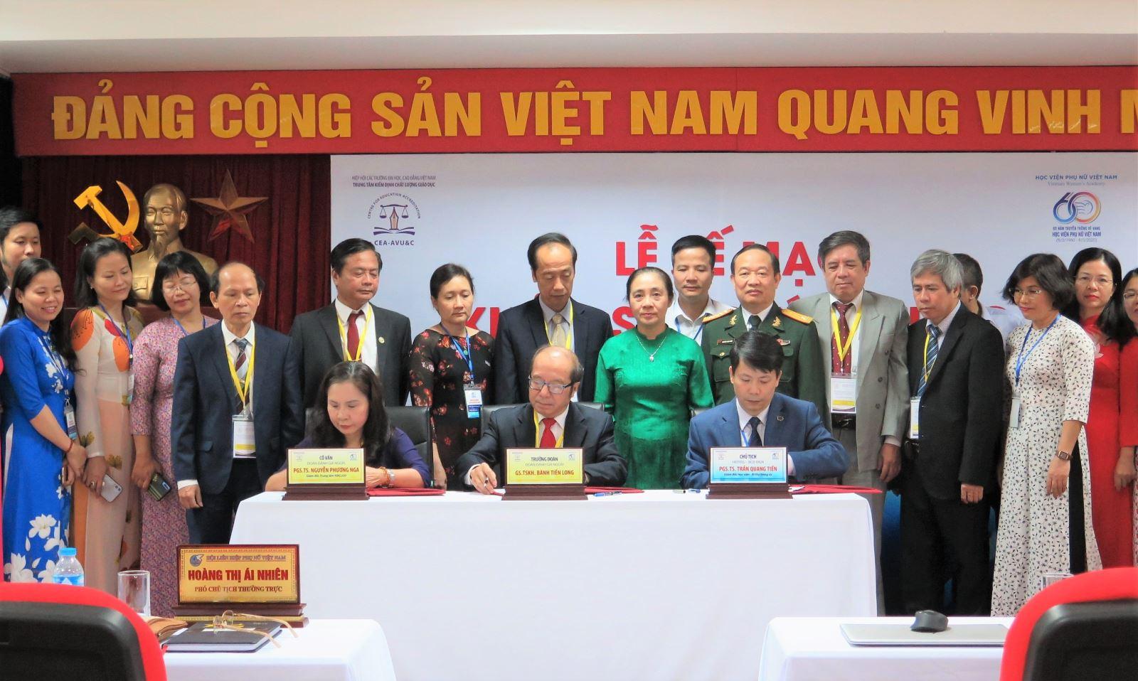Bế mạc đợt khảo sát chính thức đánh giá chất lượng giáo dục Học viện Phụ nữ Việt Nam