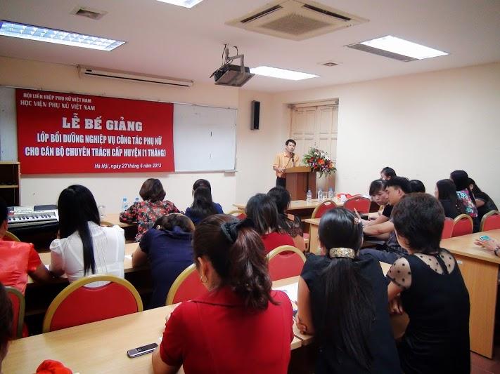 Học viện Phụ nữ Việt Nam tổ chức Lễ bế giảng lớp Bồi dưỡng nghiệp vụ công tác phụ nữ B1