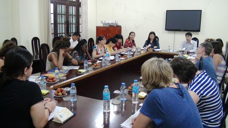 Trường Công tác xã hội – Đại học Nam Carolina, Mỹ đã thăm Học viện Phụ nữ Việt Nam