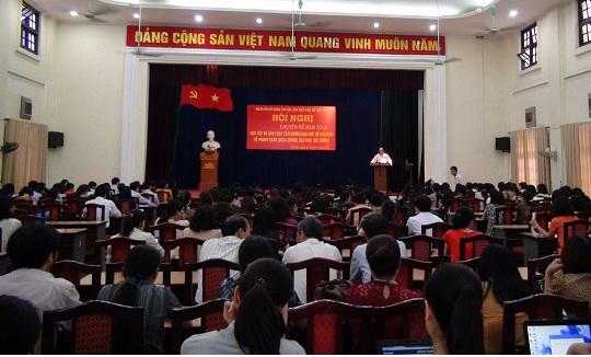 Khai giảng lớp Trung cấp lý luận chính trị hành chính năm 2013