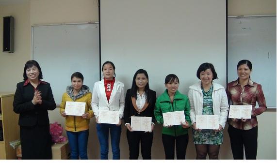 Bế giảng lớp Trung cấp CTXH khóa 2011- 2013