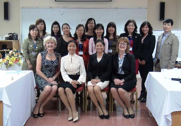 """Khóa học """"Thành công trong Thương mại"""" dành cho nữ doanh nhân của Pact Services"""