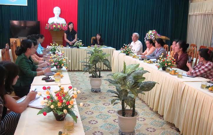 Đoàn học viên lớp bồi dưỡng cán bộ phụ nữ Lào đi thực tế tại Ninh Bình