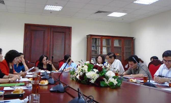 Hội đồng xét duyệt đề tài nghiên cứu khoa học năm 2015