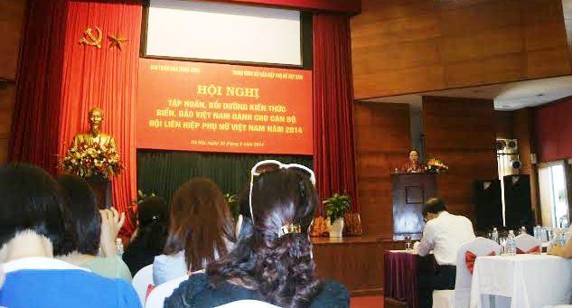 Hội thảo – Tập huấn, bồi dưỡng kiến thức biển, đảo Việt Nam dành cho cán bộ Hội Liên hiệp Phụ nữ Việt Nam năm 2014